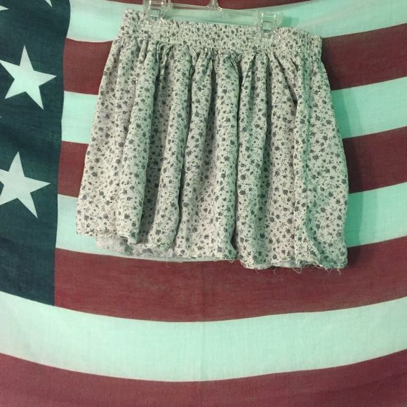 Brandy Melville grey skirt Flowy, comfortable, and stretchy (FREE BRANDY STICKER INCLUDED) Brandy Melville Skirts Mini