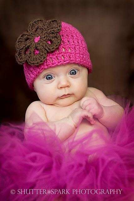 Sweet Pea Flower Beanie, crochet pattern by Buttercup Baby, Ravelry