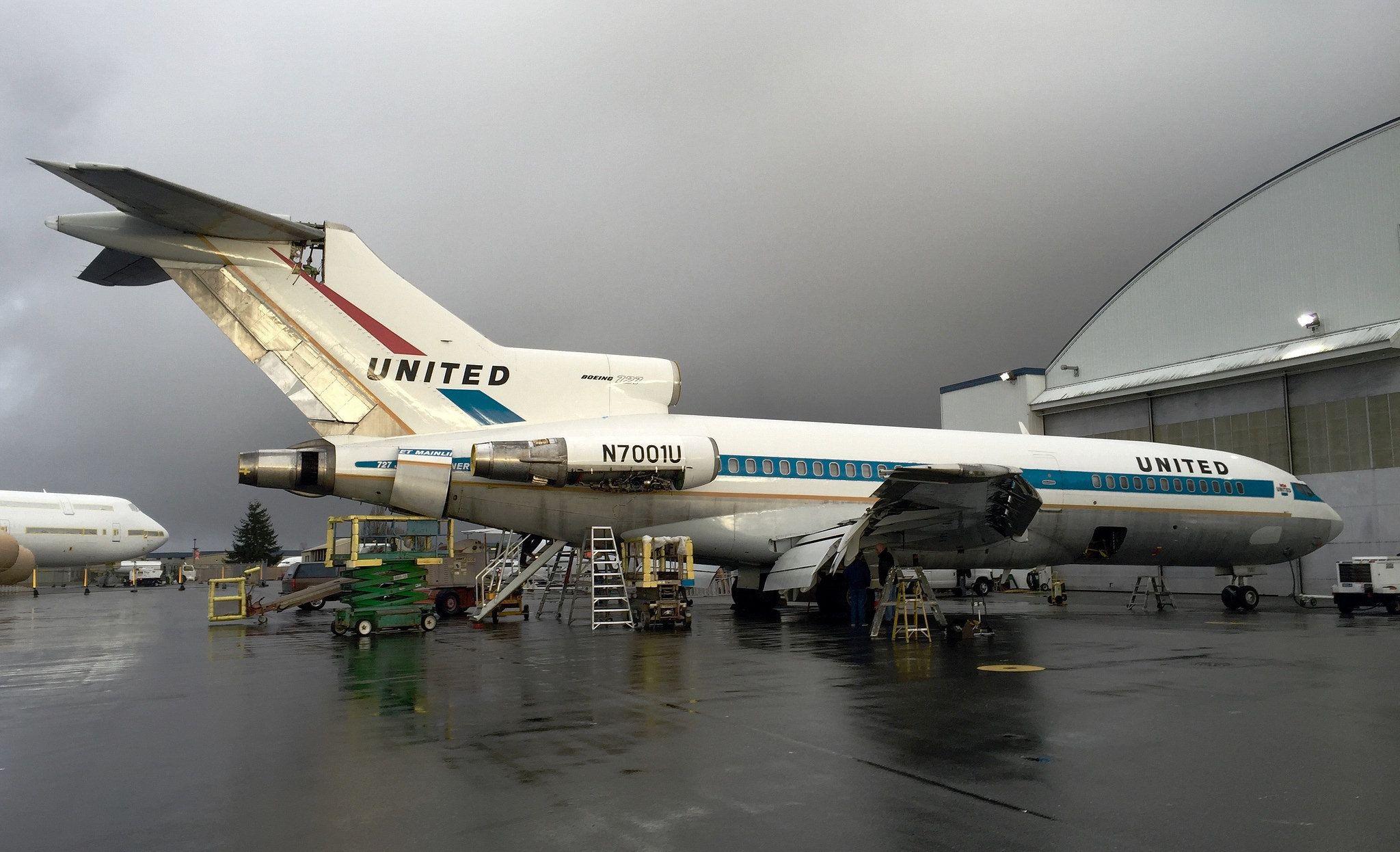 United 727 Prototype N7001U