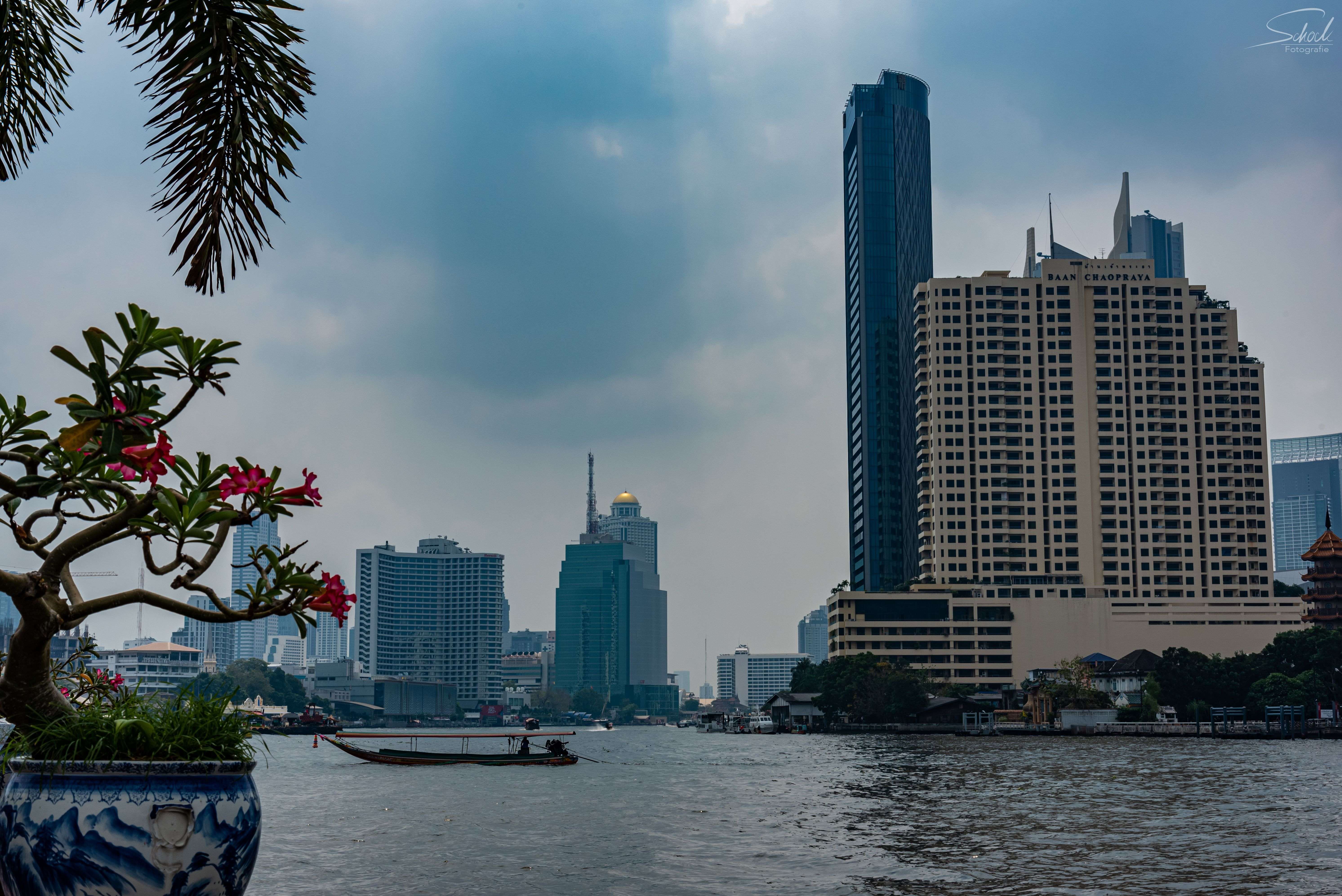 Chao Phraya Bangkok In 2020 San Francisco Skyline New York Skyline Bangkok