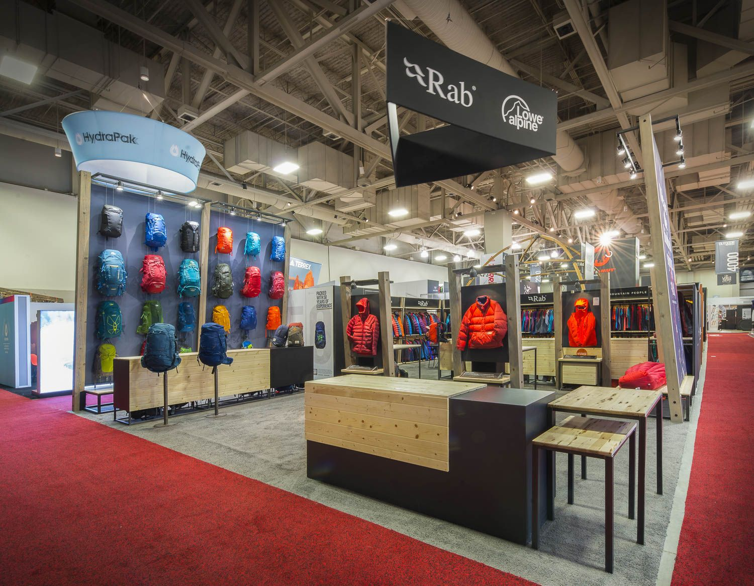 Custom Exhibition Stand Out : Custom trade show exhibit and booth designers