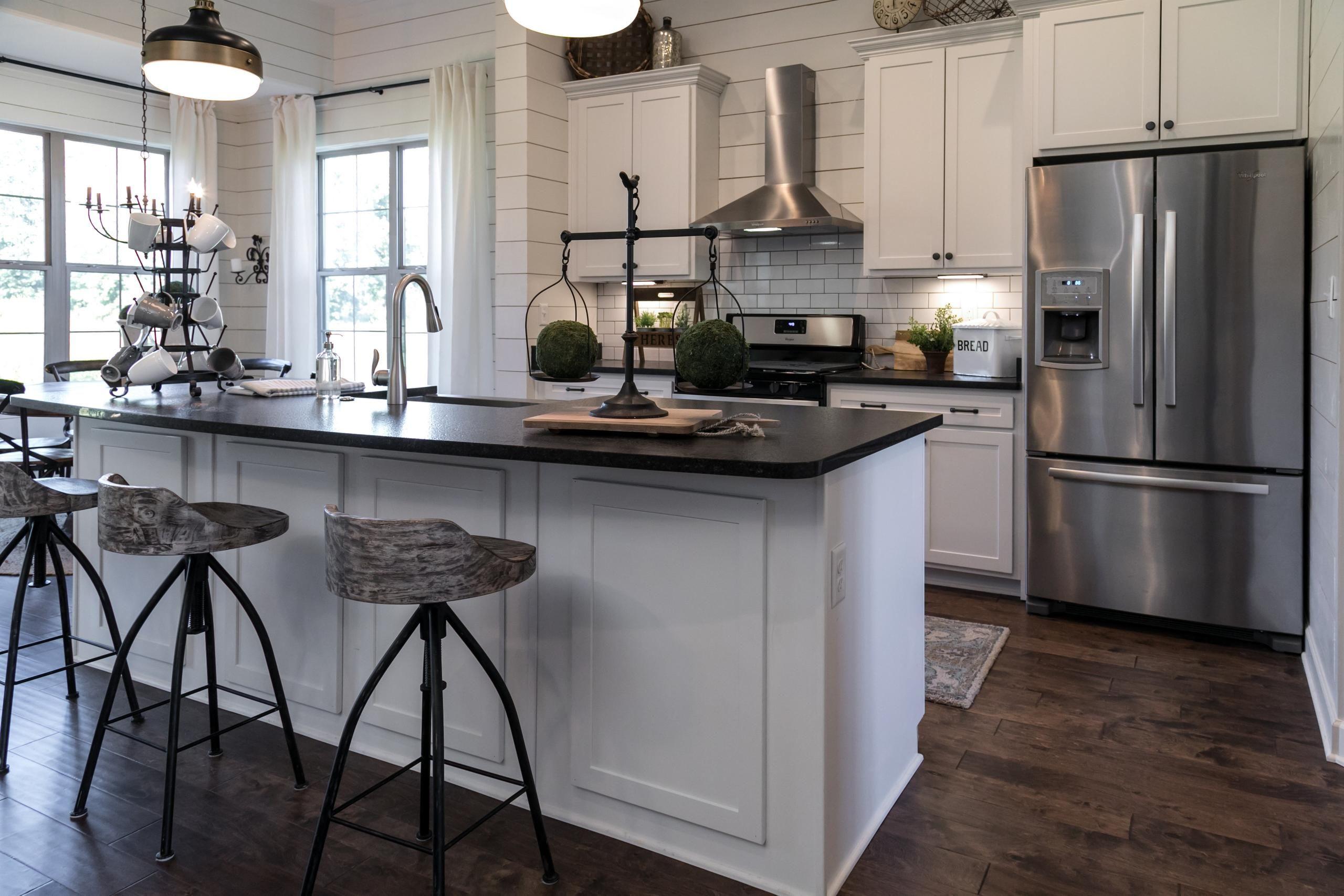 Newregencyhomes Com Abbington Kitchen Design Open White Kitchen Open Concept White Kitchen Design
