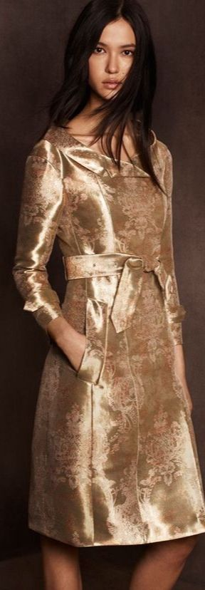 Metallic Gold Lookbooks - The Burberry Kerry Centre Collection-Trend Hunter