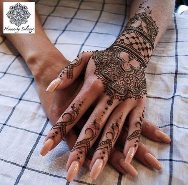 25 Magnificent Henna Cuff Designs For Inspiration: Henna Tattoo Designs, Cuff Tattoo
