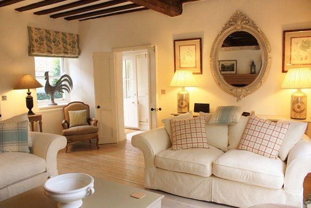 Un piccolo elegante cottage nel Norfolk | Cottage, Elegante e Salotto