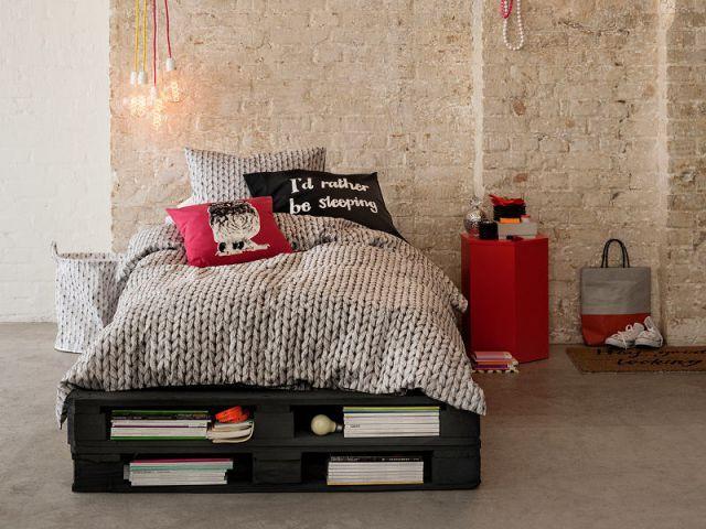 Relooker sa chambre petits prix des id es moins de 150 euros palettes sommier palette - Relooker sa chambre ...