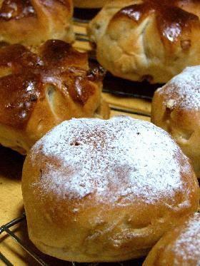 次の日でもクルミ(パン自体も)がパサつかずもっちり美味しいです♪