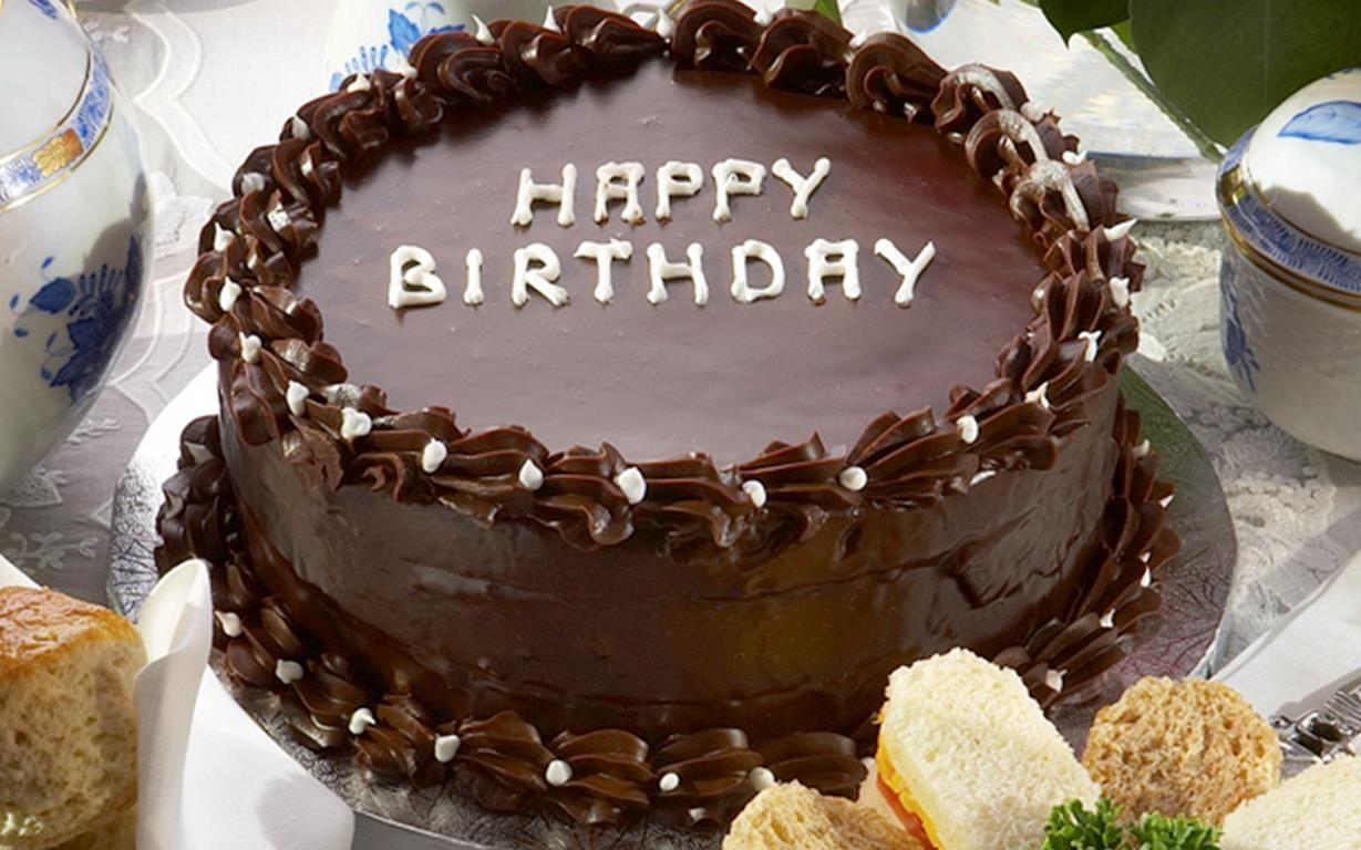 Stupendous Queen Elizabeth Ii Birthday Chocolate Cake Recipe Happy Funny Birthday Cards Online Fluifree Goldxyz
