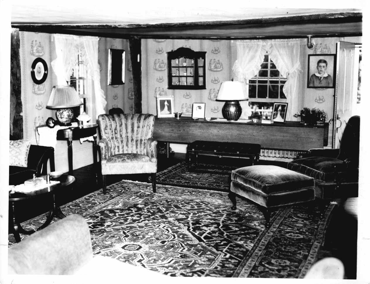 1930u0027s Living Room. Love The Shadow Box On The Wall.