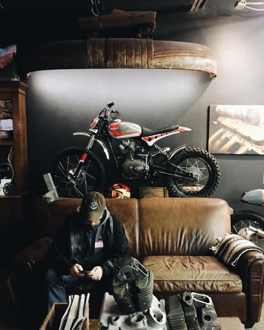 Custom Garage Interiors Ideas: Motor Kieu We Heula
