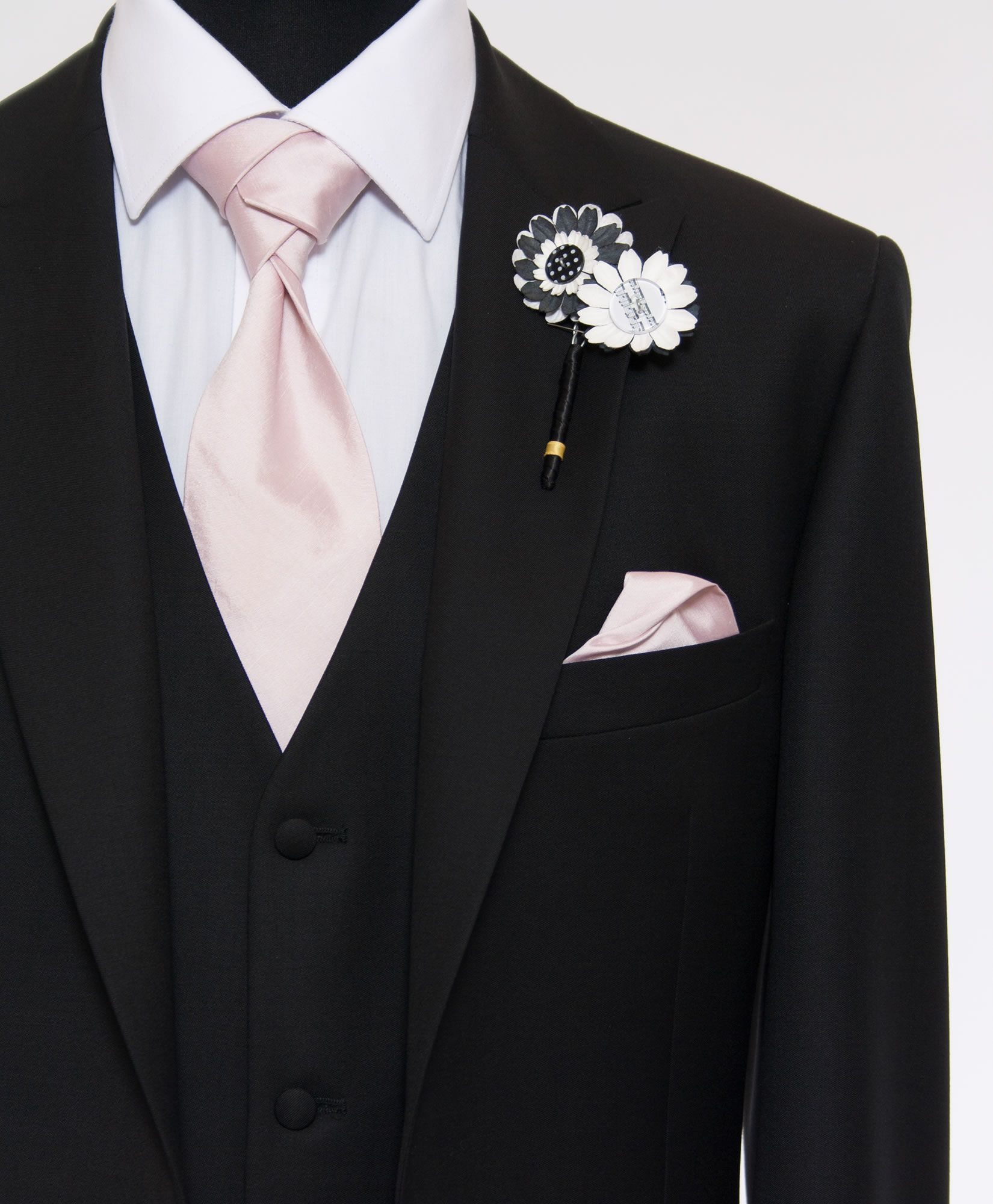 pink tie with black suit - Google Search | Leah Wedding ...