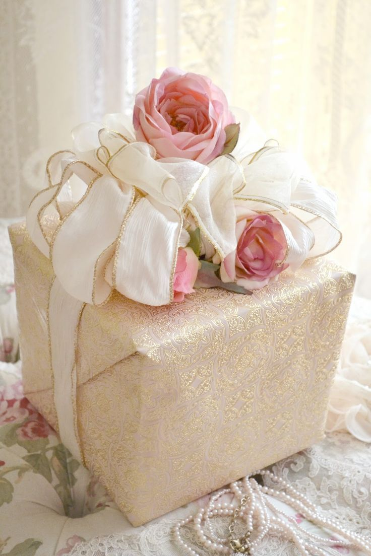happy day out | Creative gift wrapping, Beautiful gift wrapping, Gift wrapping
