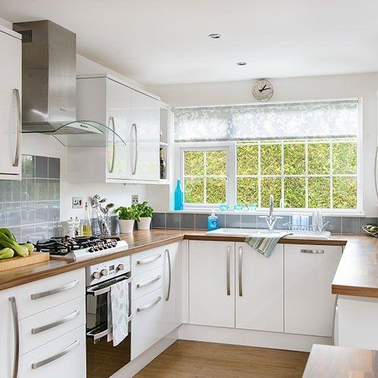 White u-shaped kitchen | Kitchen layout u shaped, Small kitchen layouts, Modern kitchen design