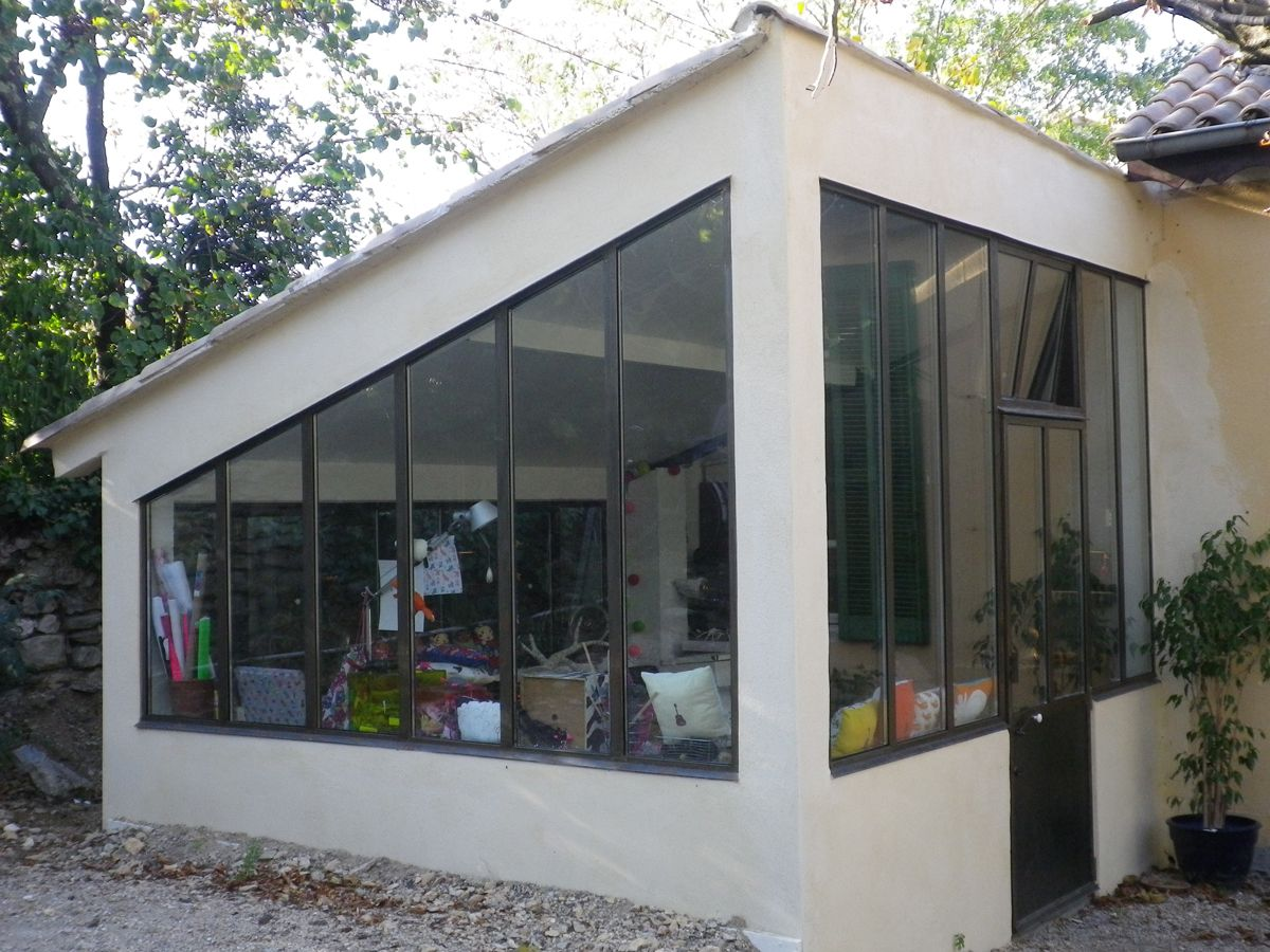 Atelier verri re atelier artistes au travail for Extension verriere