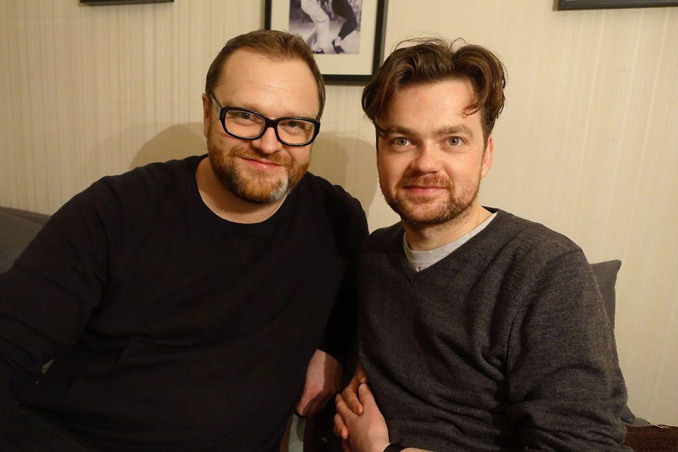 <P> contribuiría: Ole Jørn Myklebust (izquierda) y Tore Bruvoll tanto trabajo como músicos.  Ellos decidieron recaudar dinero para pagar la multa a Adán Cortés Salas. <br/> </ P>