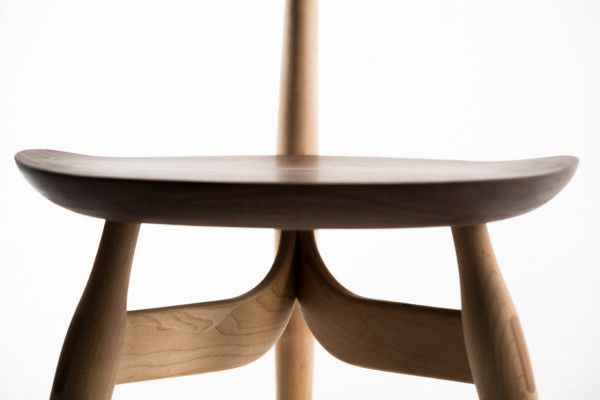 Spire Table & Trialog Chair by Philipp Von Hase in home furnishings  Category http://www.lovedesignnews.com/2013/10/silla-trialog-por-philipp-von-hase.html