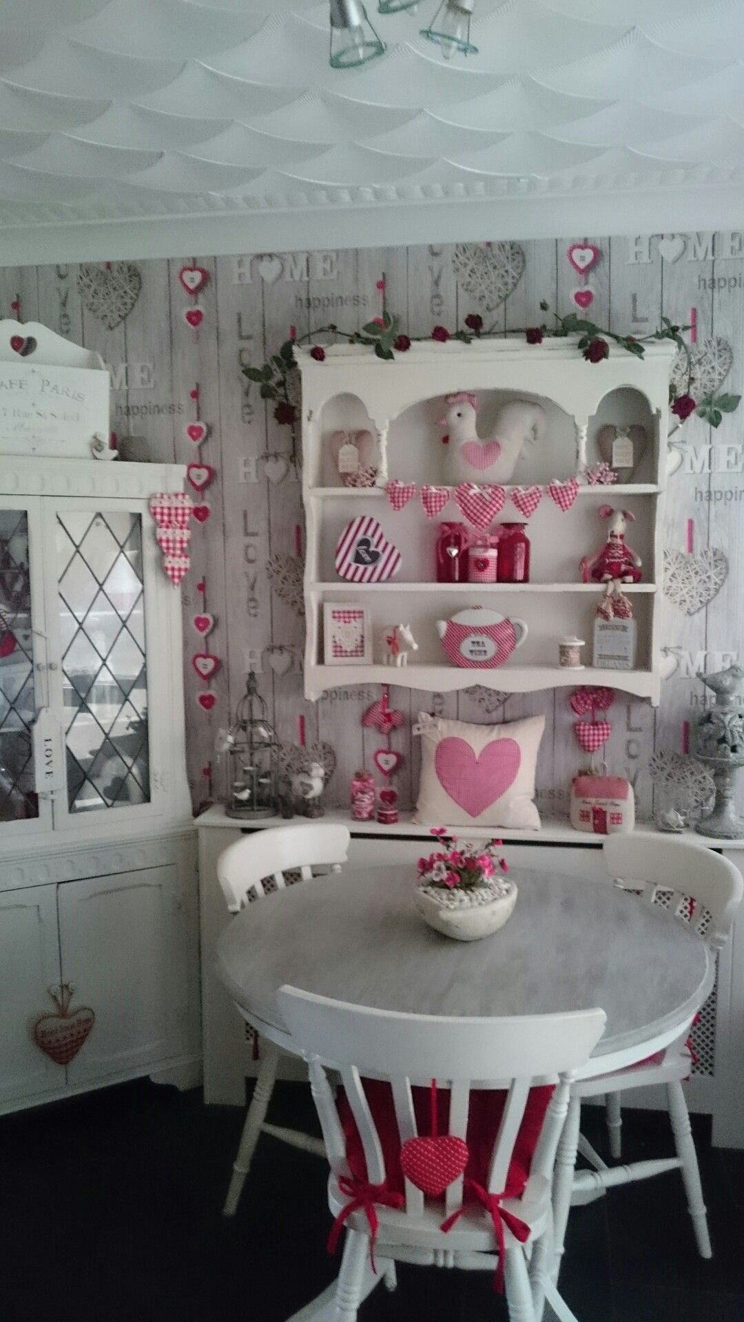 Marvelous Shabby Chic Red And White Gingham Kitchen Romance In 2019 Download Free Architecture Designs Lukepmadebymaigaardcom