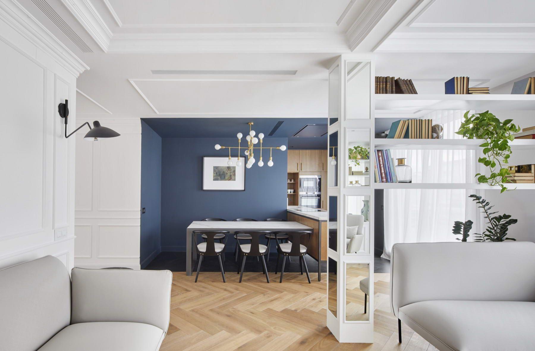 Színes luxus lakás arany és fekete acél díszítéssel, #arany #bútor ...