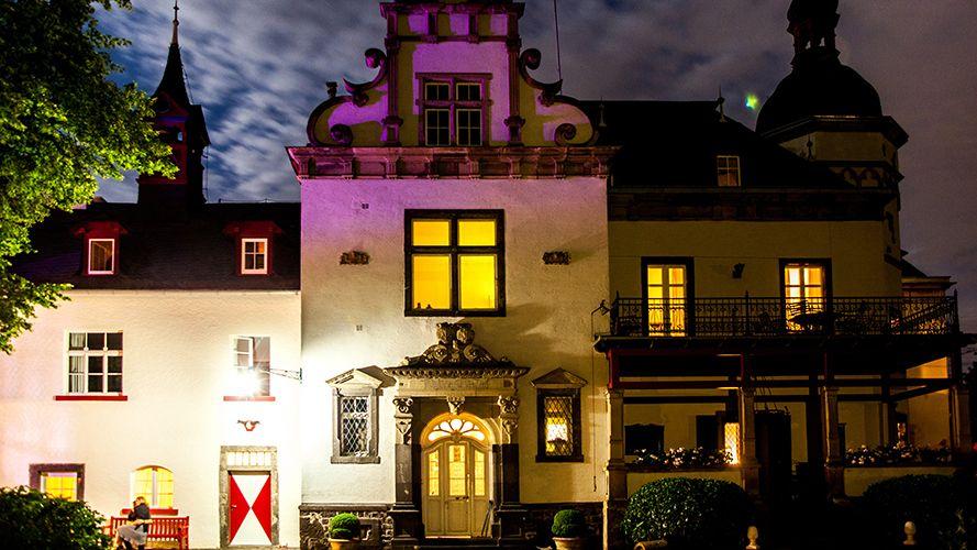 Herrenhaus bei Nacht | Gutshof . Schloss . manor . castle | Rheinland . Eifel . Koblenz . Gut Nettehammer |