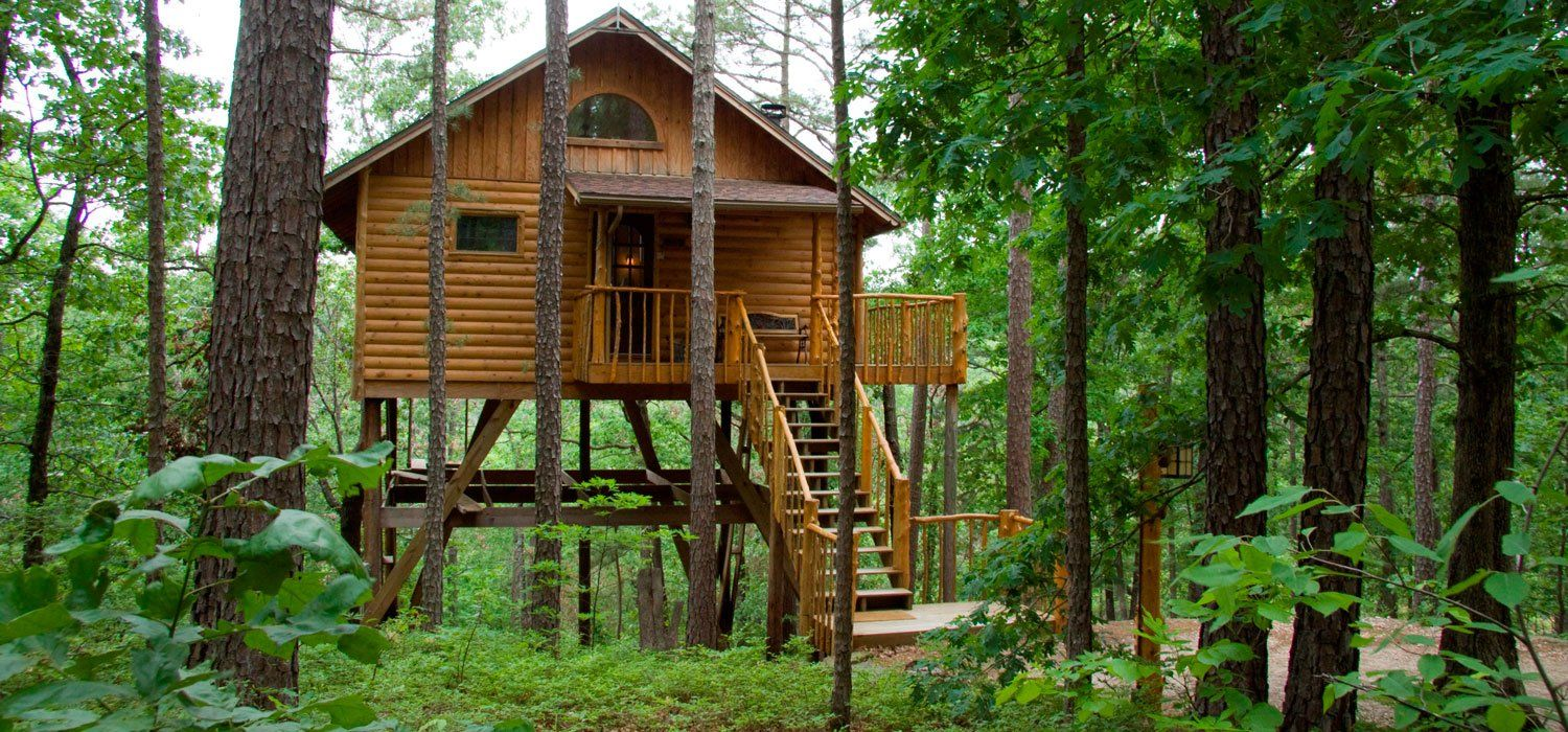 There S A Tiny Arkansas Town Full Of Treehouses And You Ll Want To Visit Treehouse Cottages Luxury Tree Houses Treehouse Cabins