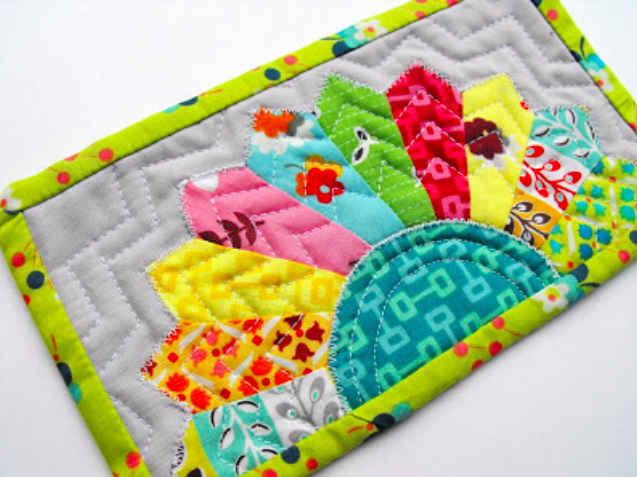 8 Fun Quilt Projects for the Kitchen | Dresden, Dresden plate and Gift : small quilting projects gifts - Adamdwight.com