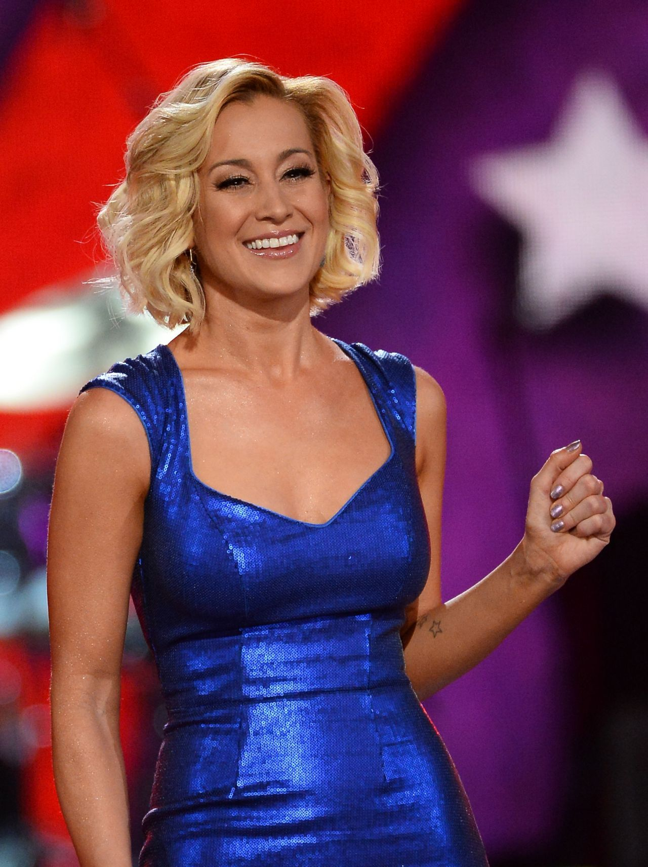 kellie pickler i wonder lyrics