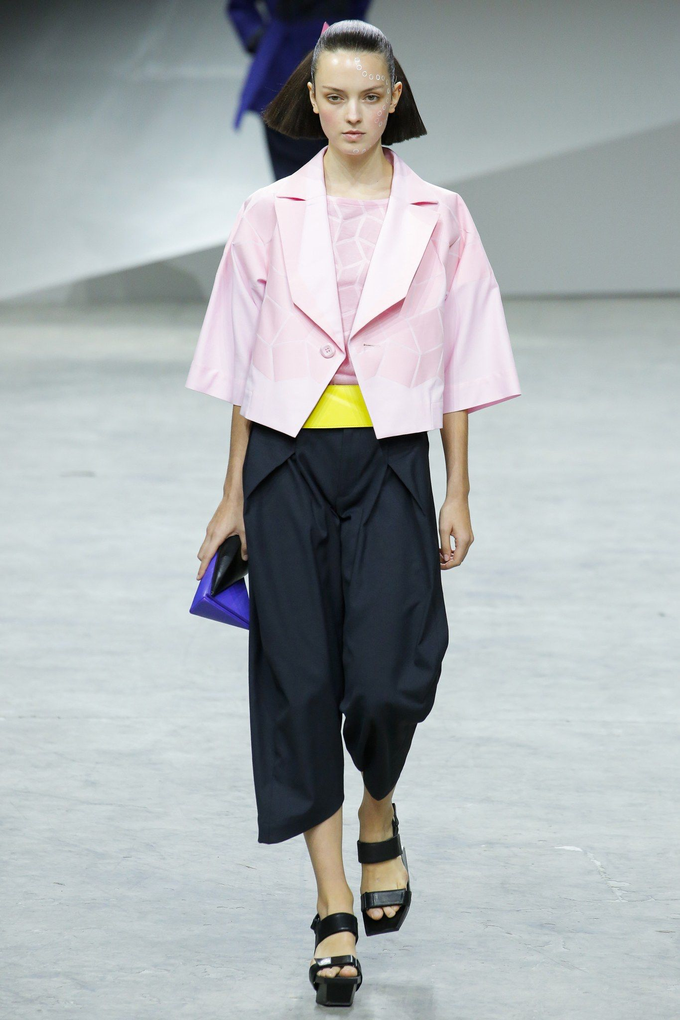 a8691834be5c Issey Miyake Spring 2017 Ready-to-Wear Fashion Show