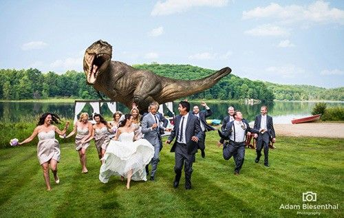 jeff_goldblum_dinosaur_wedding_photo_19u89pq-19u89rk