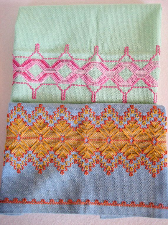 Vintage Tea Towels, Embroidered Swedish Huck Pair | MANTELERÍA ...