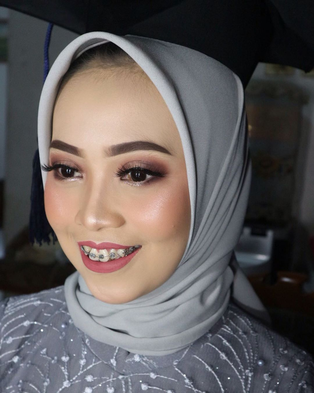 Latepost Wisuda Poltekes Bandung Info Price List 082120102919 Nbsp Nbsp Makeupbyninda Nbsp Nbsp Bold Makeup Looks Bold Makeup Wedding Makeup