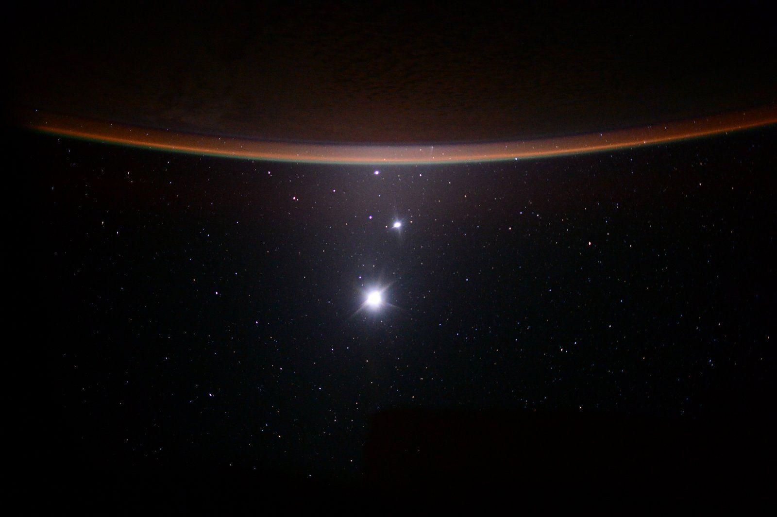 Moon Venus Jupiter and Earth Lineup