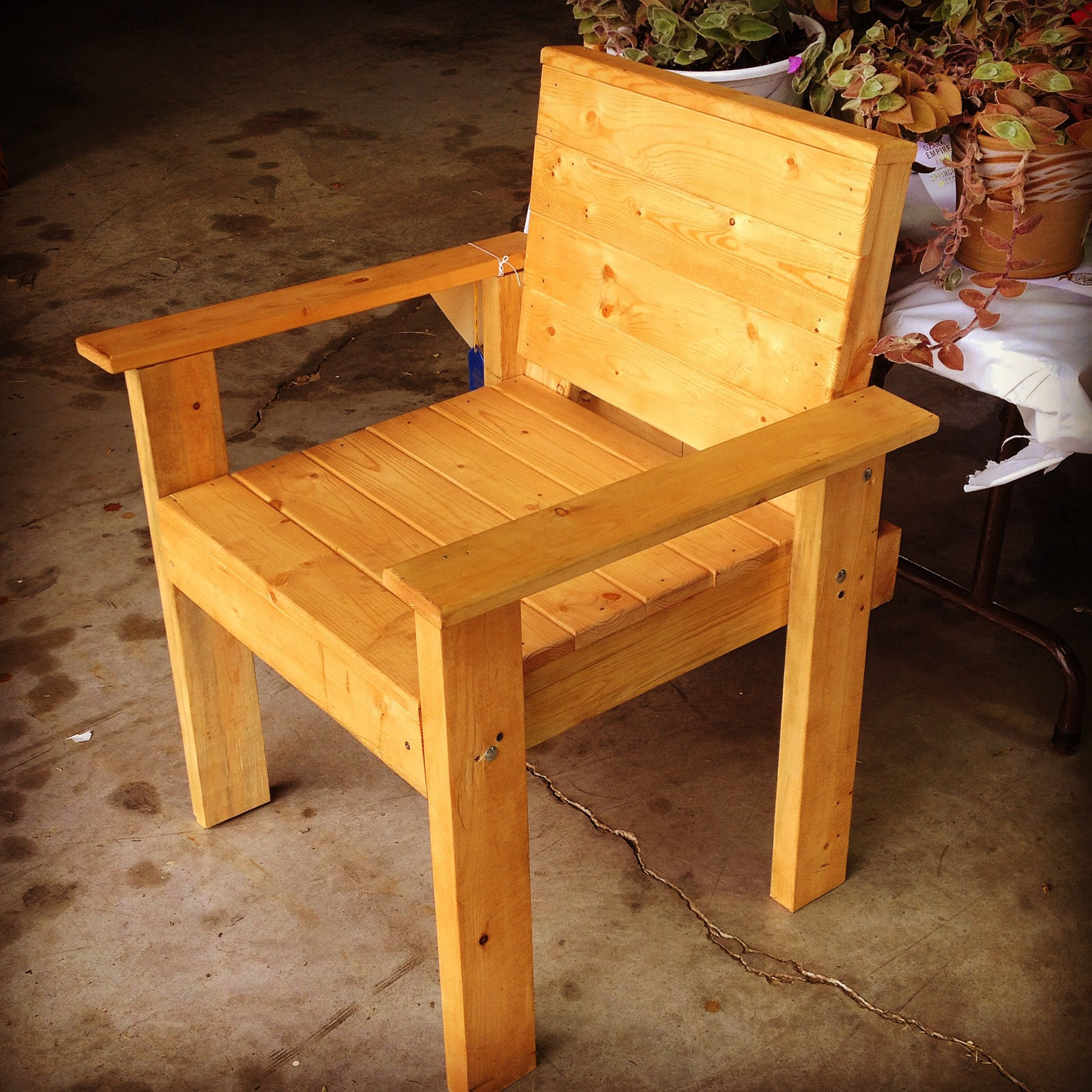 Simple chair | Pallet furniture instructions, Chair ...
