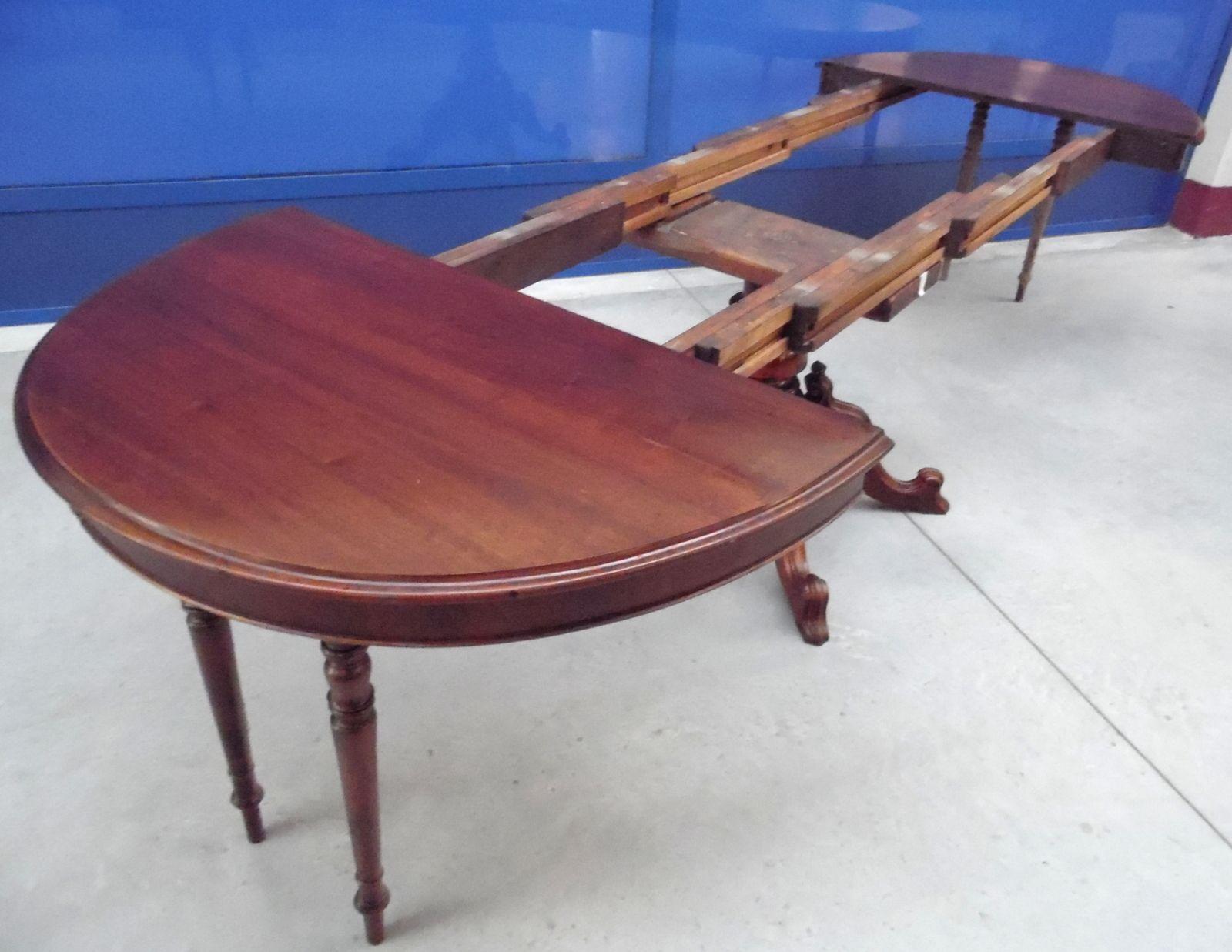 Tavolo Da Pranzo 3 Metri tavolo ovale in noce fine '800 umbertino allungabile oltre 3