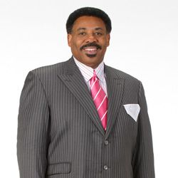 Dr Tony Evans Born Anthony Tyrone Evans Is A Christian Pastor