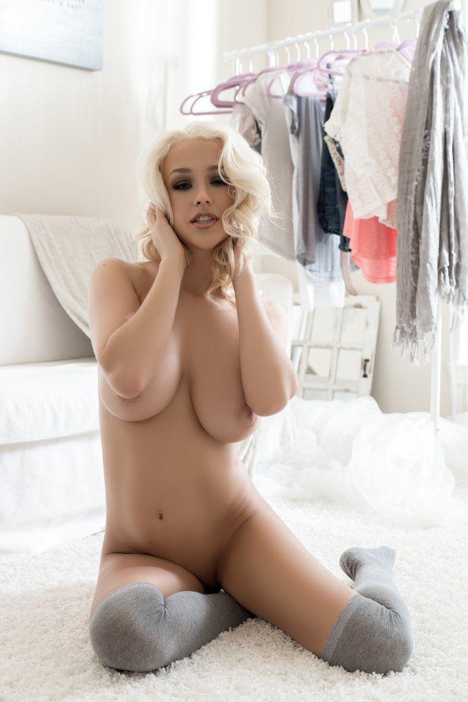 Dirty talking pornstar