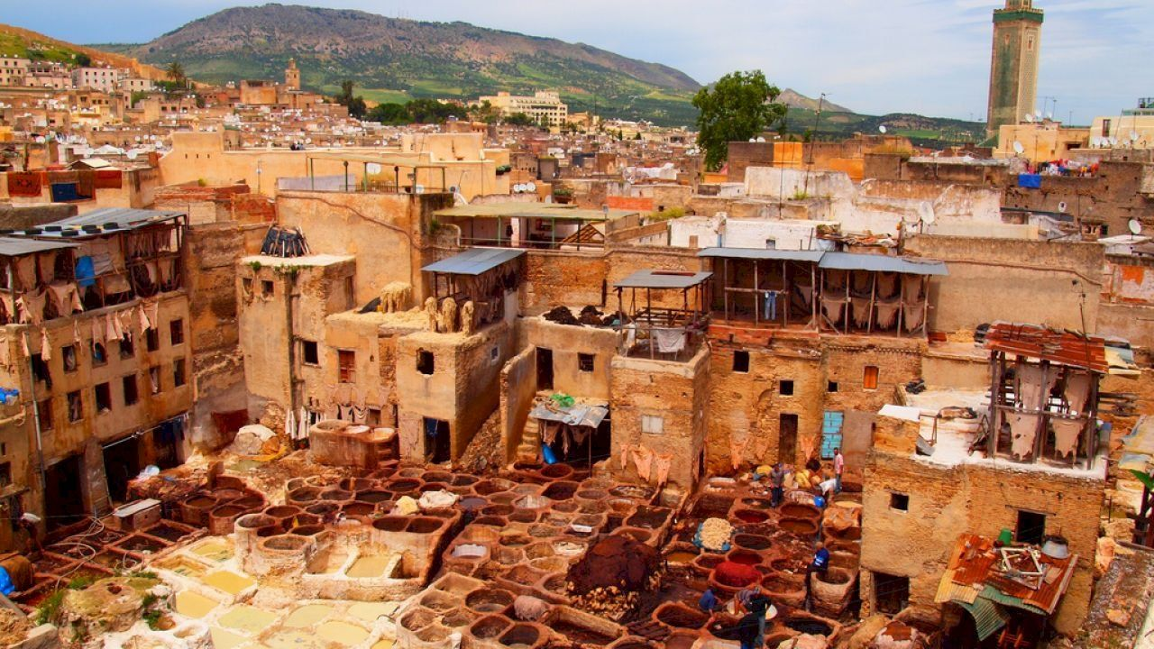 بماذا تشتهر مدينة فاس Desert Tour Morocco Tours Sightseeing
