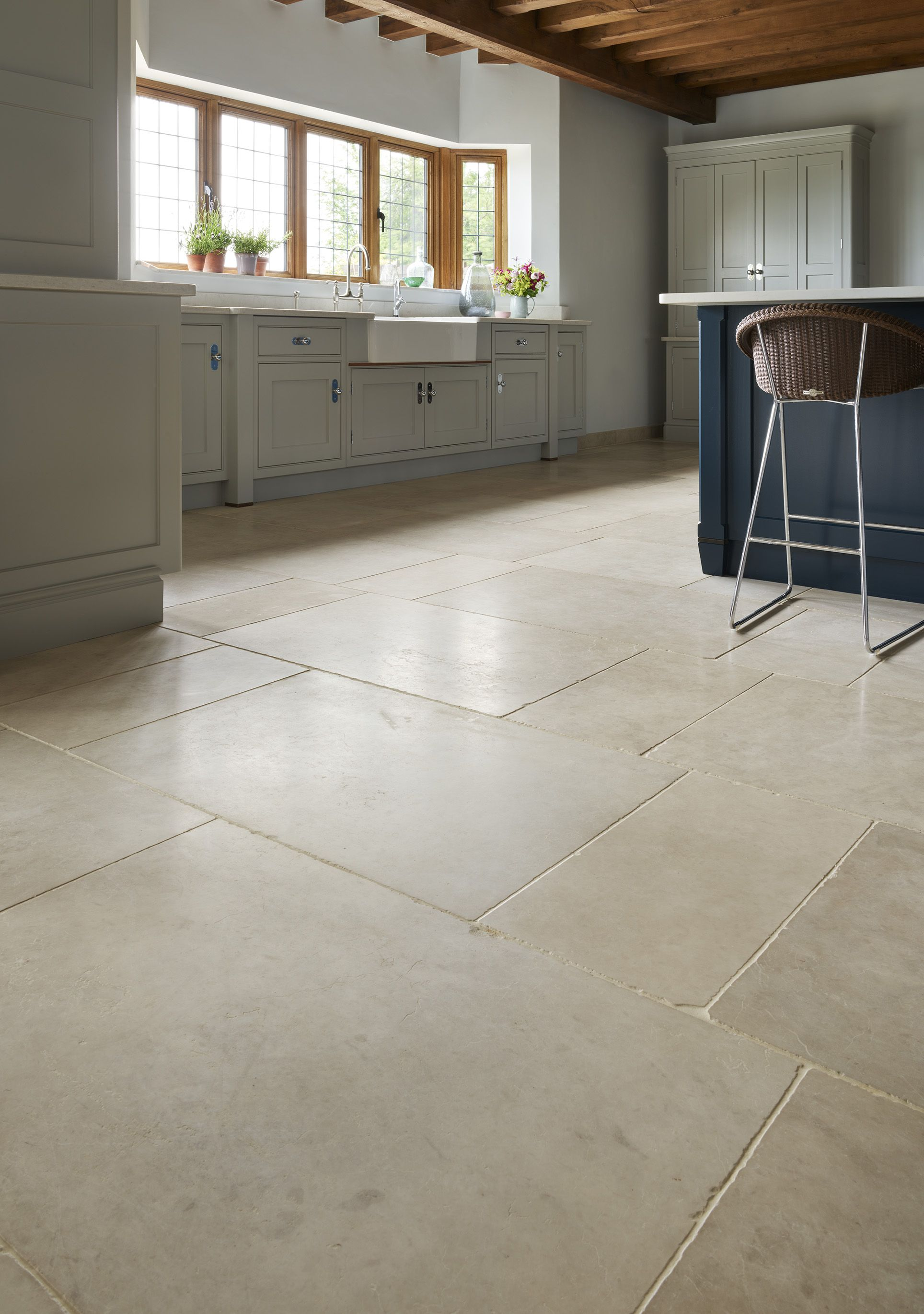 Aged Bourne A Cool Chic Traditional Flagstone Kitchen Floor