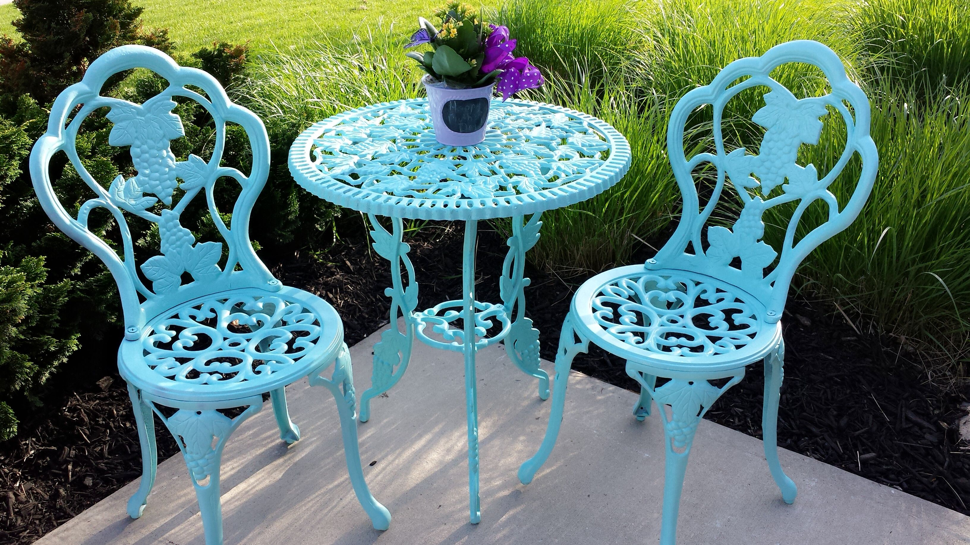 Diy Painted Bistro Set How To Refinish Wrought Iron Use Wire Brushes Get Old Paint Off Turquoise