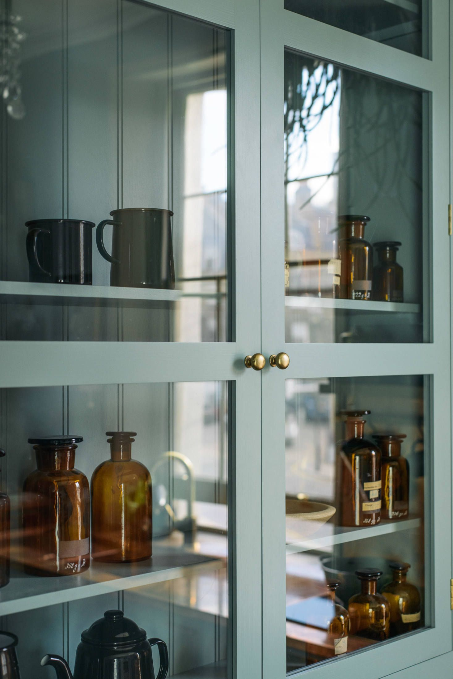 Kitchen of the Week: deVol\'s Urban Rustic Kitchen Gets a Glamorous ...