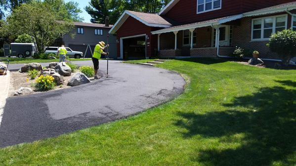 Semi circle driveway google search home decor ideas for Semi circle driveway designs