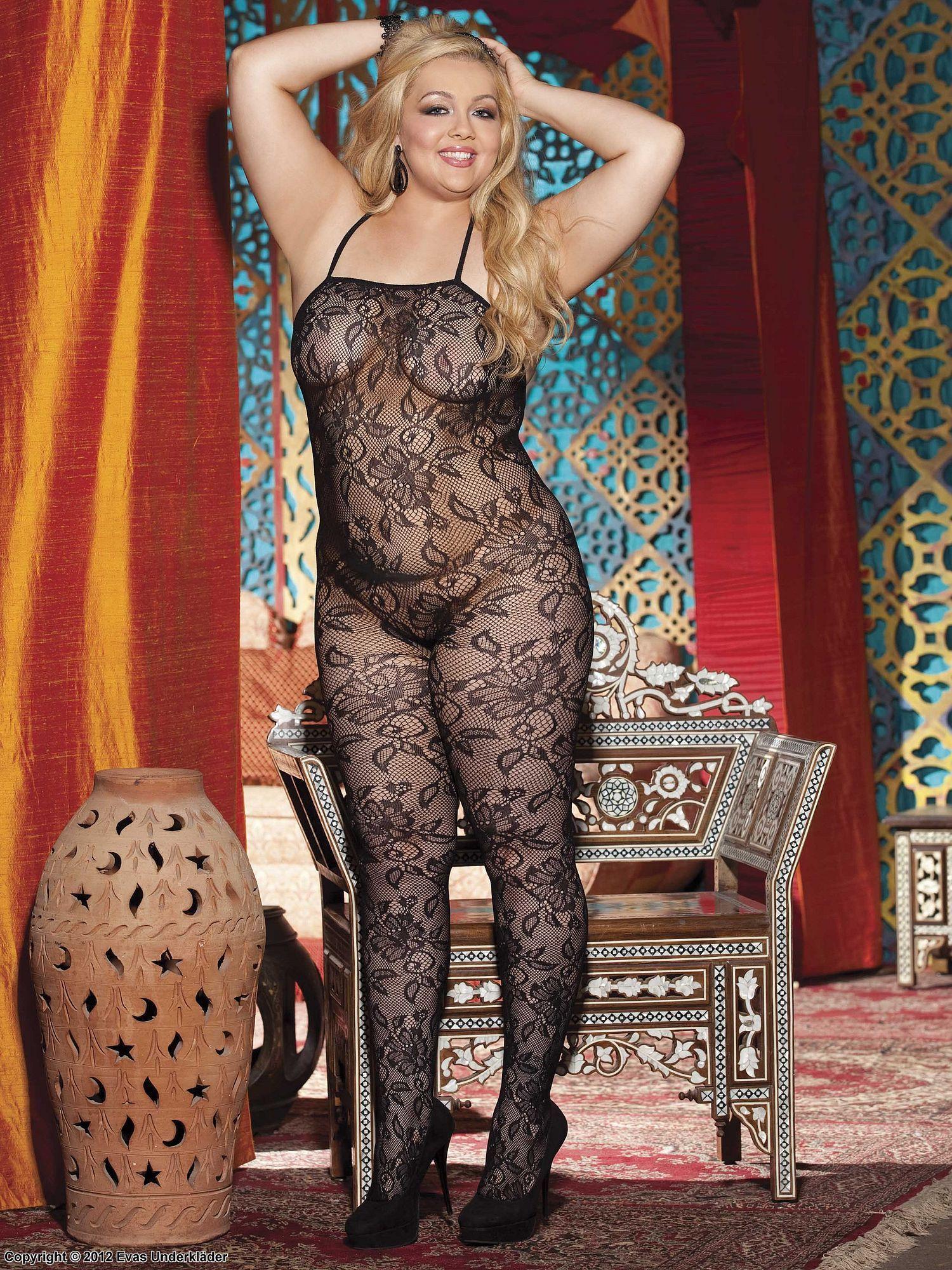 ffd17489f Plus size model Danielle Zavala - Shirley of Hollywood