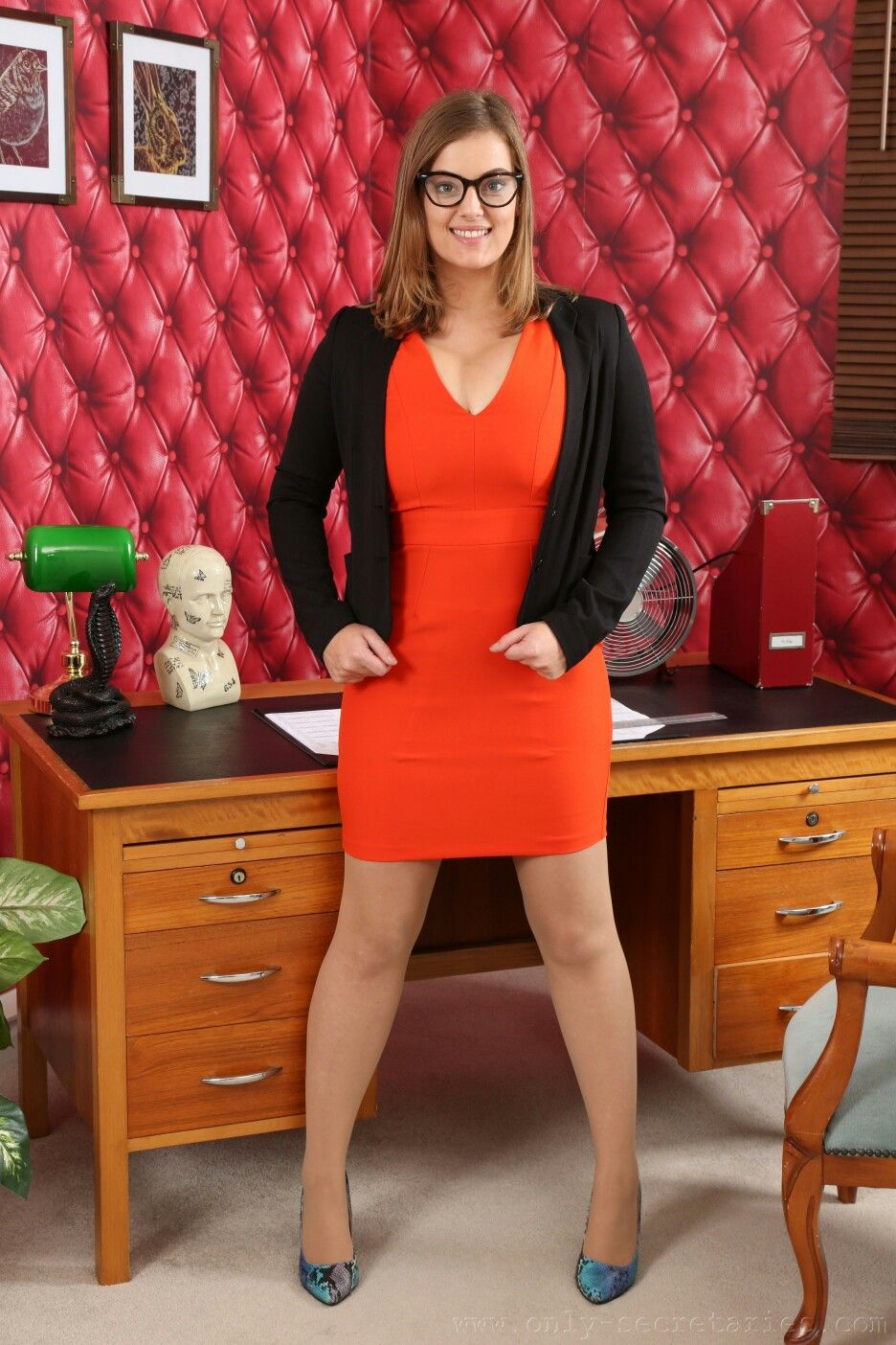 a800cd500658 Secretary Outfits, The Office, Sexy Outfits, My Dream, Ph, Tights,
