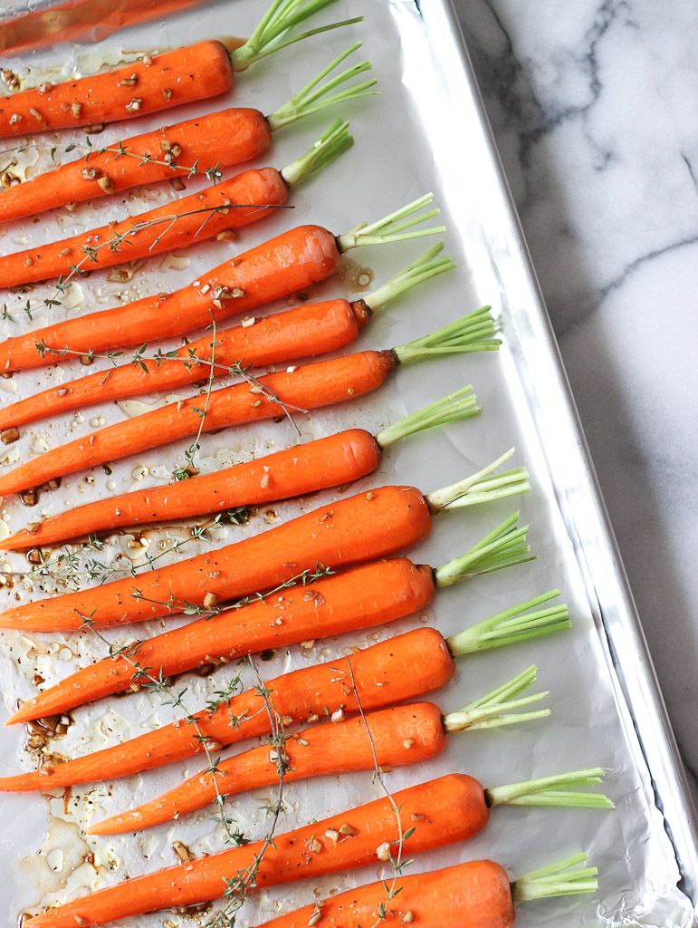 Holiday Garlic Roasted Carrots