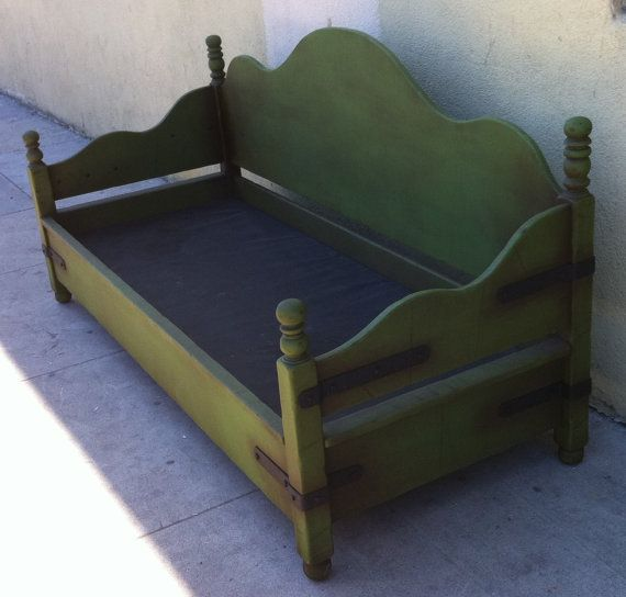 Monterey Style Daybed