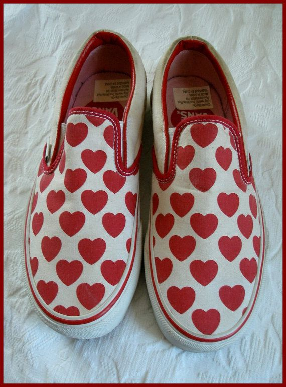 91792d84d555 Vintage Vans Slip On Sneakers BIG Hearts Valentine