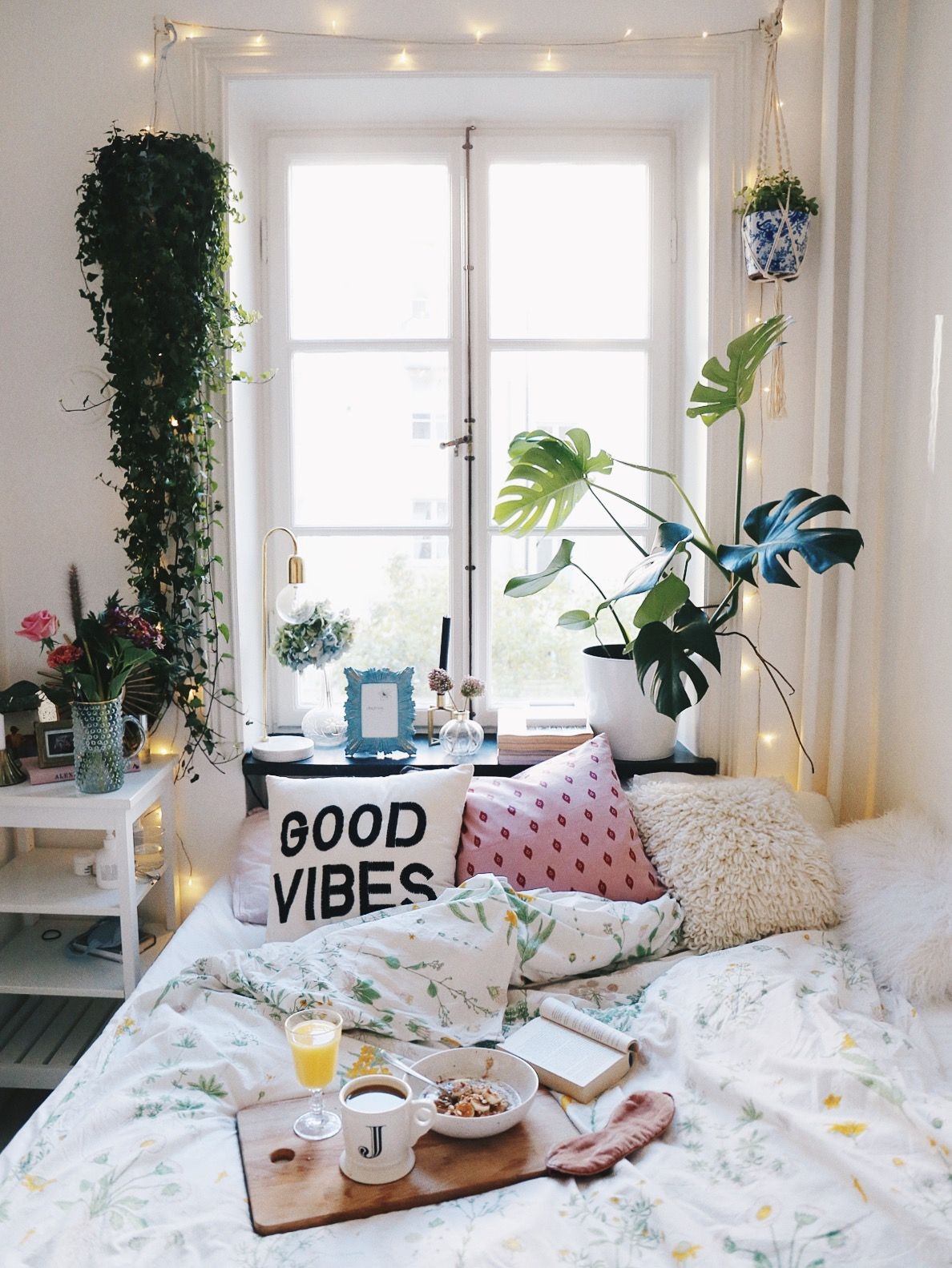 josefin dahlberg places pinterest bedrooms room and room cosy bedroom with plants and urban outfitters accessories