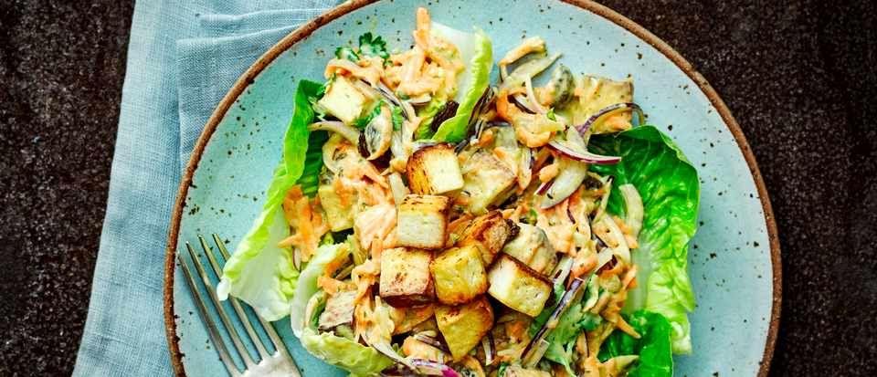 Coronation tofu salad