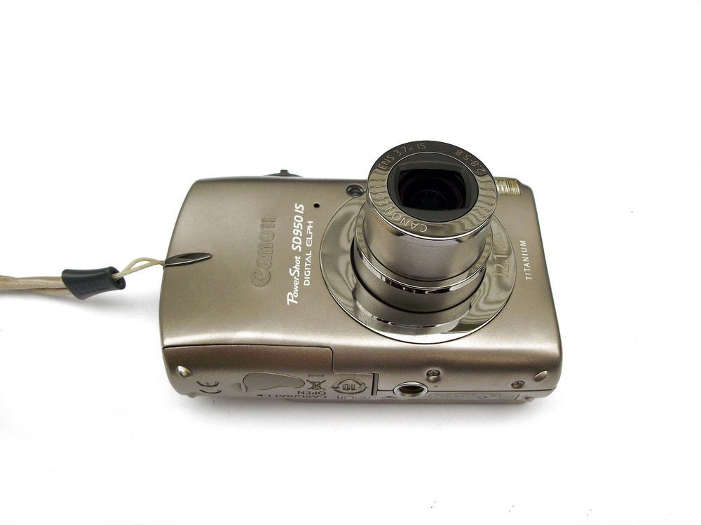 Canon Powershot Sd950 Is Elph 12 1 Mp Titanium Body Made In Japan Euc Canon Powershot Canon Powershot Digital Camera