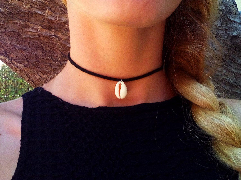bb708667eb66e Pin by Odelia Hasid on jewelry | Shell choker, Jewelry, Cowrie shell ...