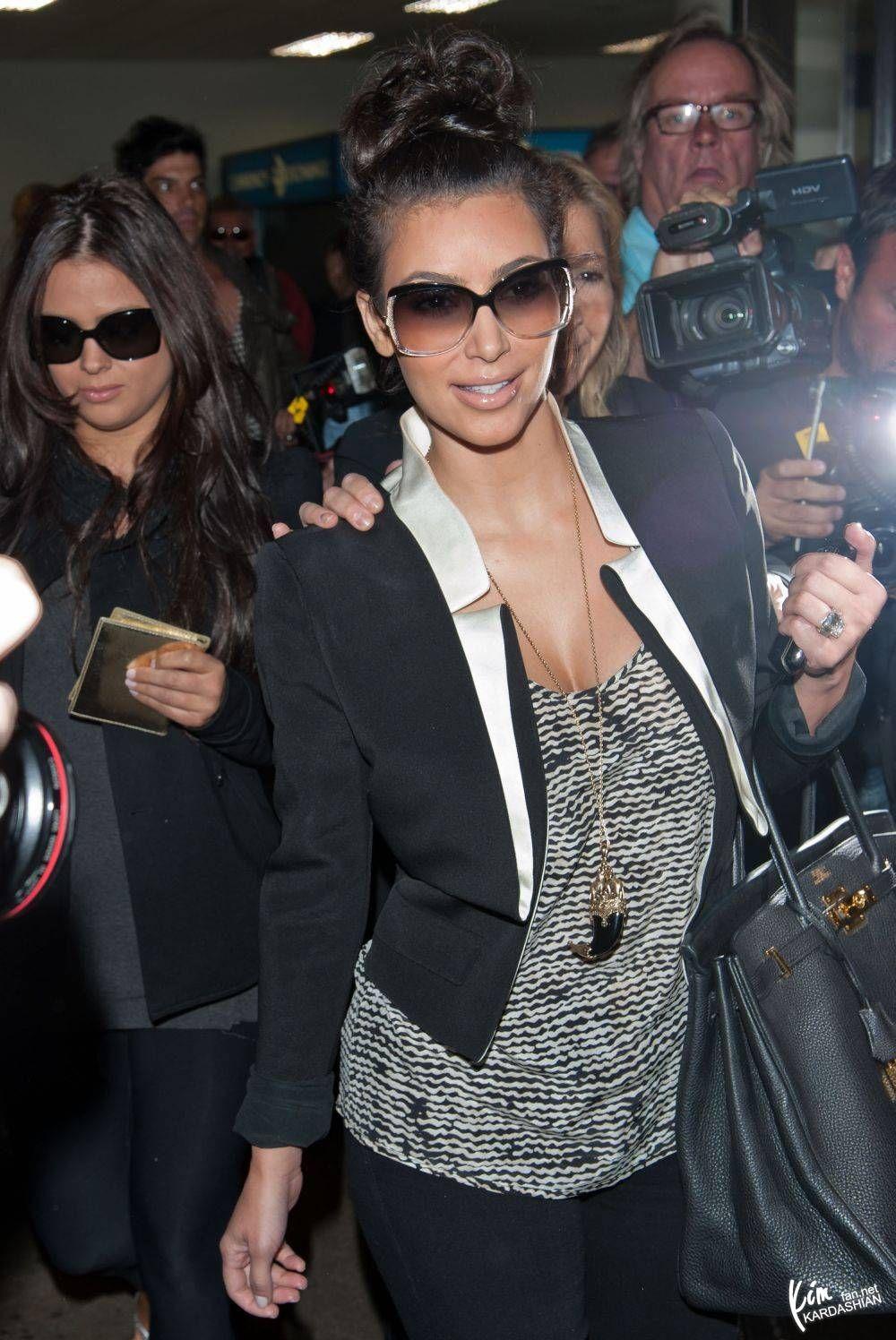 Khloe kardashian flannel shirt  Pin by Buffy FernandezAyala on Kardashian Khaos  Pinterest